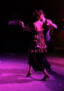 Para começar um pouco de tango... Dançarinos: Giovanni Vergo e Paola Vasconcelos